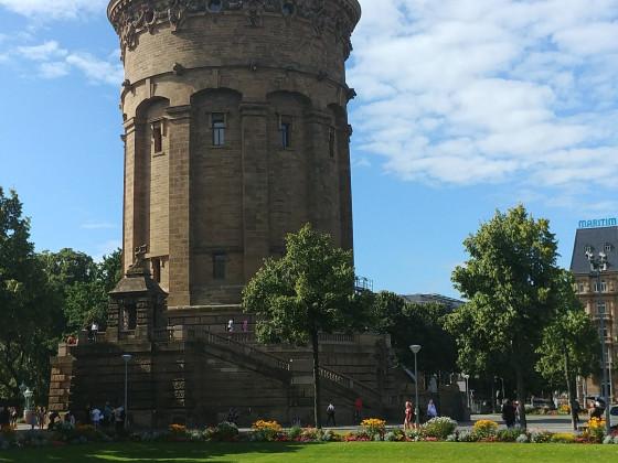 Mannheimer Wasserturm bei Tag - Animagic 2017
